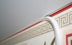 Как подобрать и установить маскировочную ленту для натяжных потолков