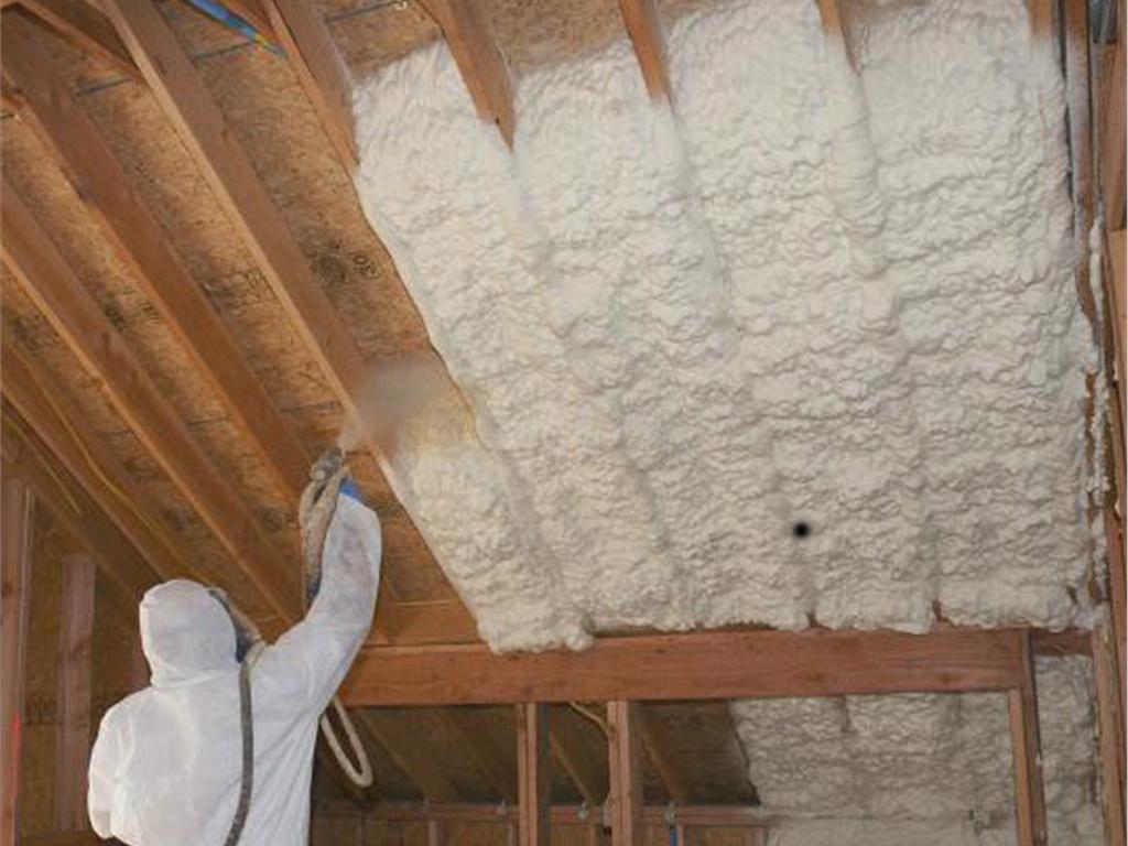 Какой утеплитель лучше для потолка в кирпичном доме.