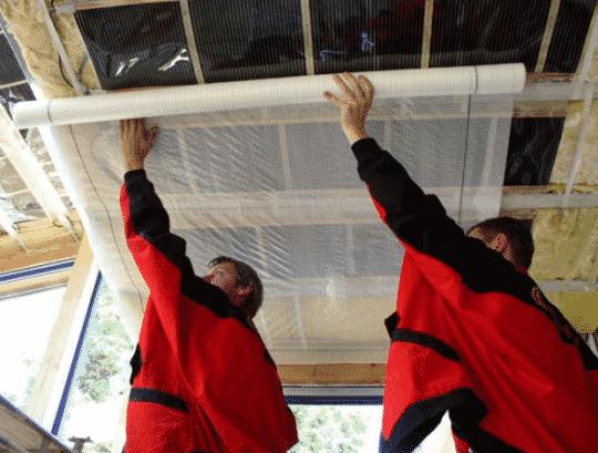 Процесс пароизоляции потолка