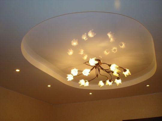 Установка освещения в потолок