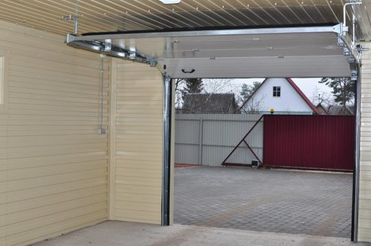 Отделка потолка гаража