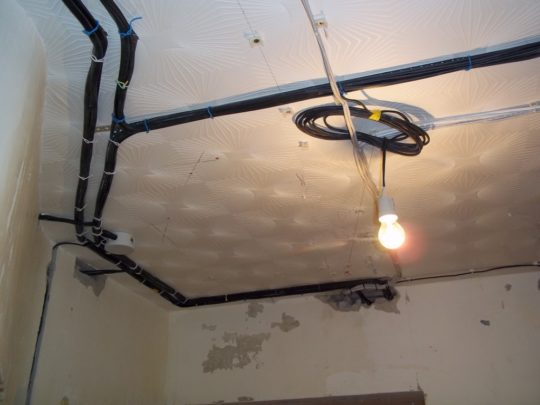 Электропроводка для потолка