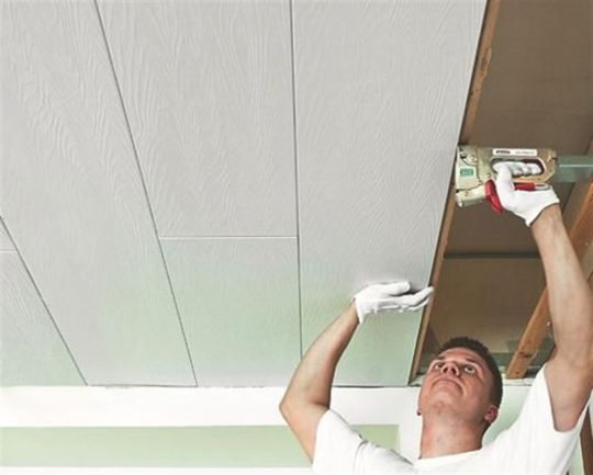 Монтаж МДФ панелей на потолок
